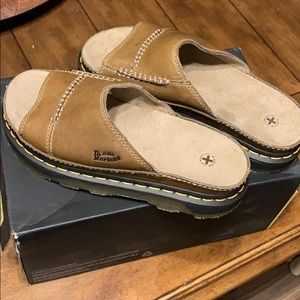 NWT Dr Martens leather sandals
